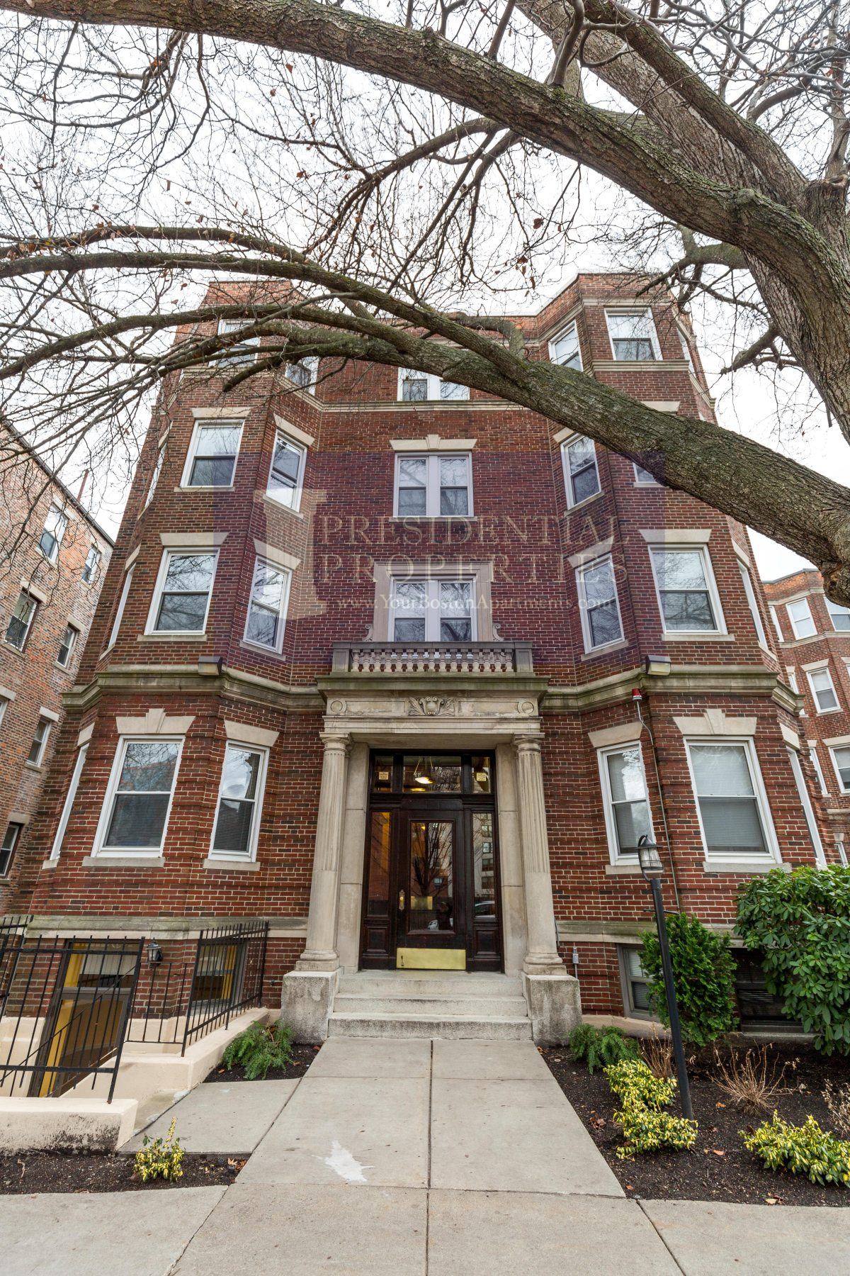 Fenway 1Bed Available April1