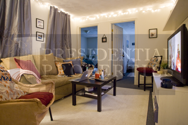 Beacon Hill Two Bedroom with Separate Eat inKitchen