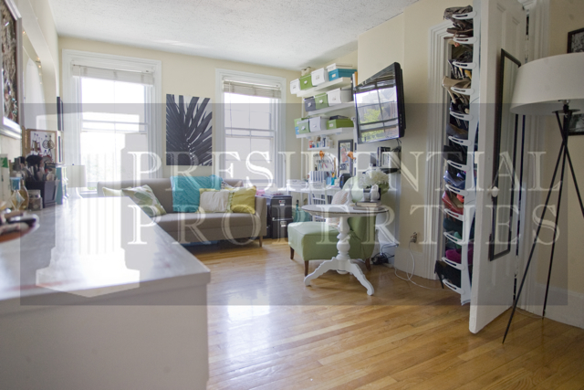 Beacon Hill One Bedroom with Spacious Living Room