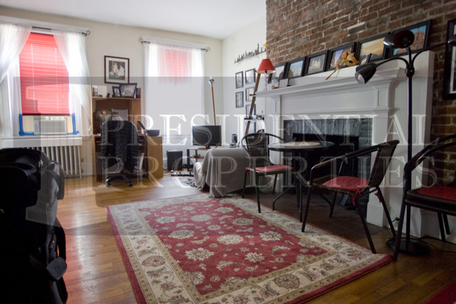 Beacon Hill Studio with Separate Kitchen