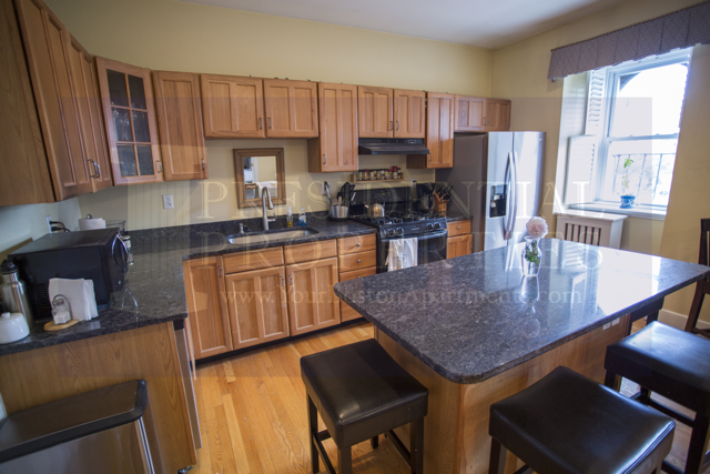 Beacon Hill South Russell Large 2Bedroom OpenLayout