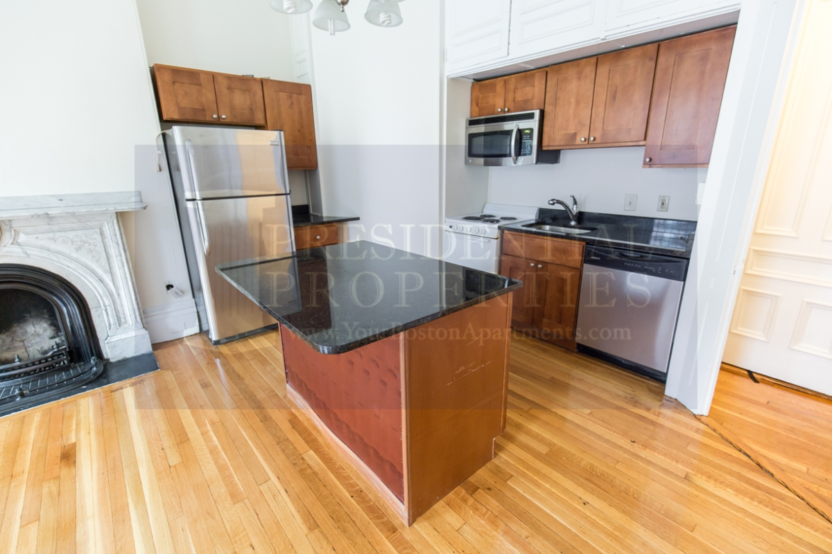 Bay Bay One Bedroom with Granite Breakfast Bar