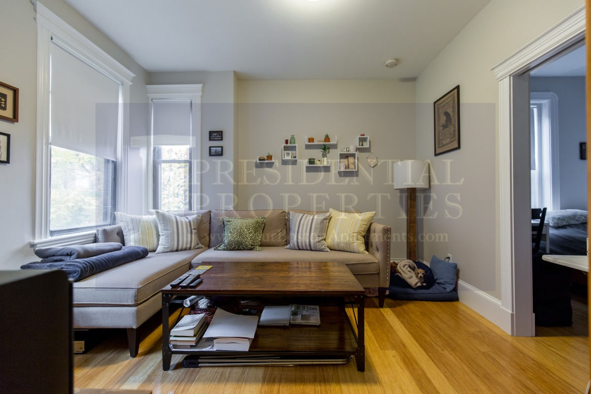 Fantastic Renovated 1 Bedroom in the Heart of Beacon Hill!