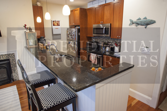 AVAILABLE NOW! Beacon Hill, Temple St, 2Bed/2Bath. Stunning Renovations & Pet Friendly!