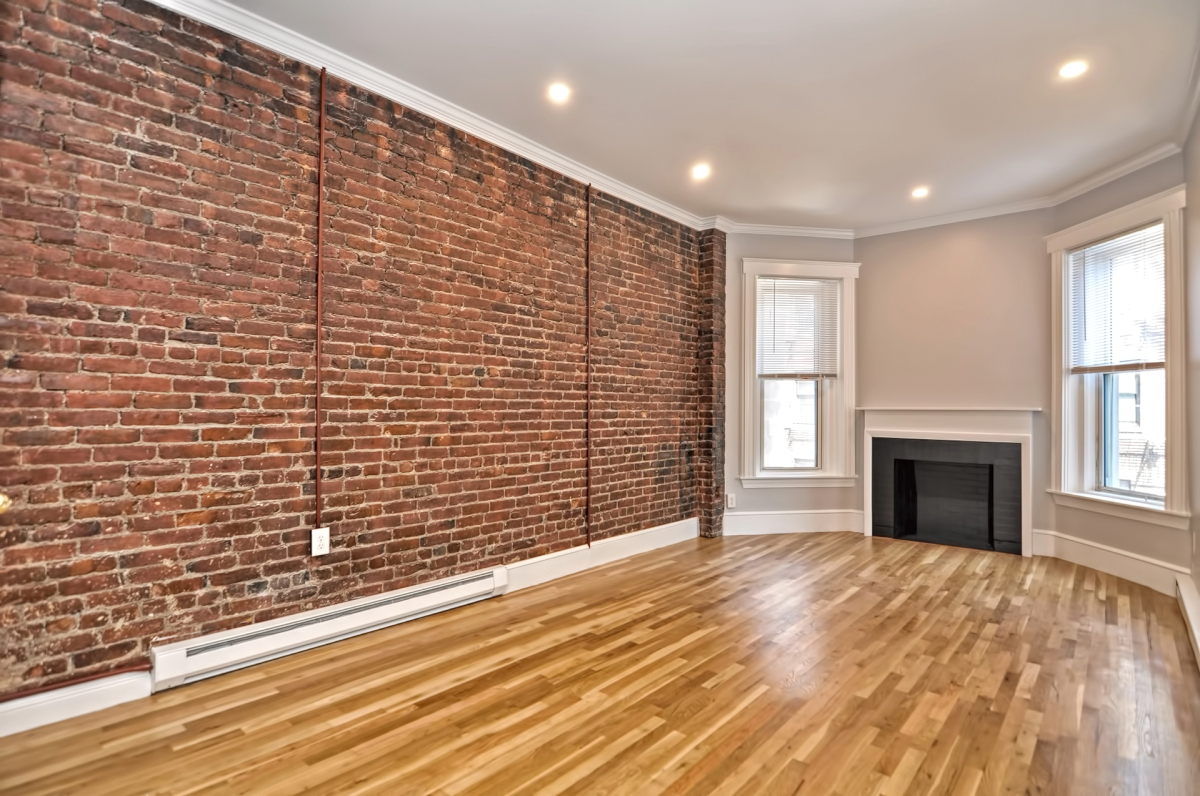 NEW LISTING, NO FEE! Back Bay, Renovated 1Bedroom, BoylstonSt