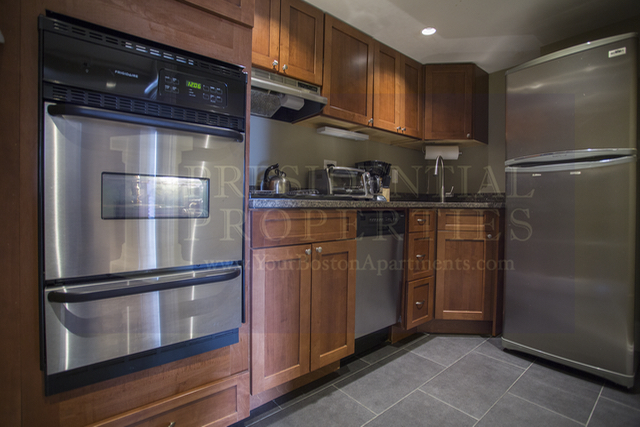AVAILABLE SEPTEMBER! Back Bay, Beacon Street, 1 Bedroom