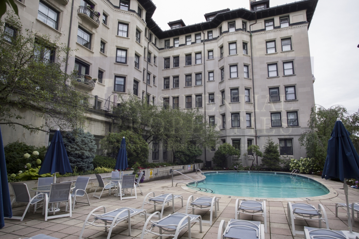 New Listing! Back Bay One Bedroom Loft withPool