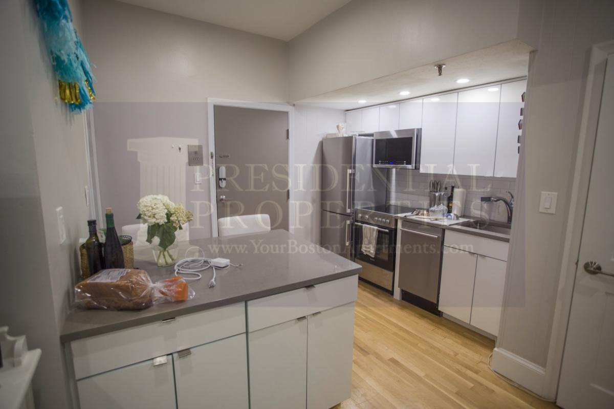 PRICE REDUCTION! Back Bay, Boylston Street, 1Bedroom