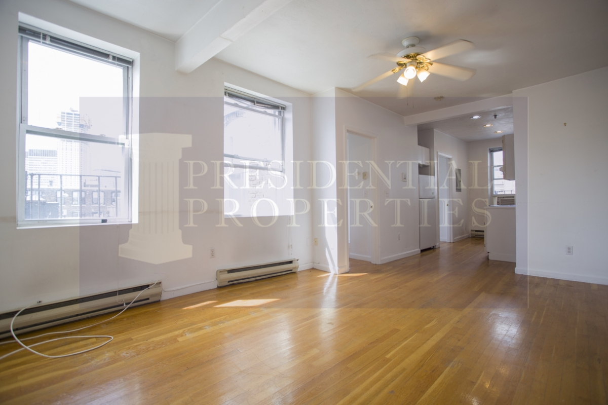 NEW LISTING! North End, Cleveland Place, Twobedroom