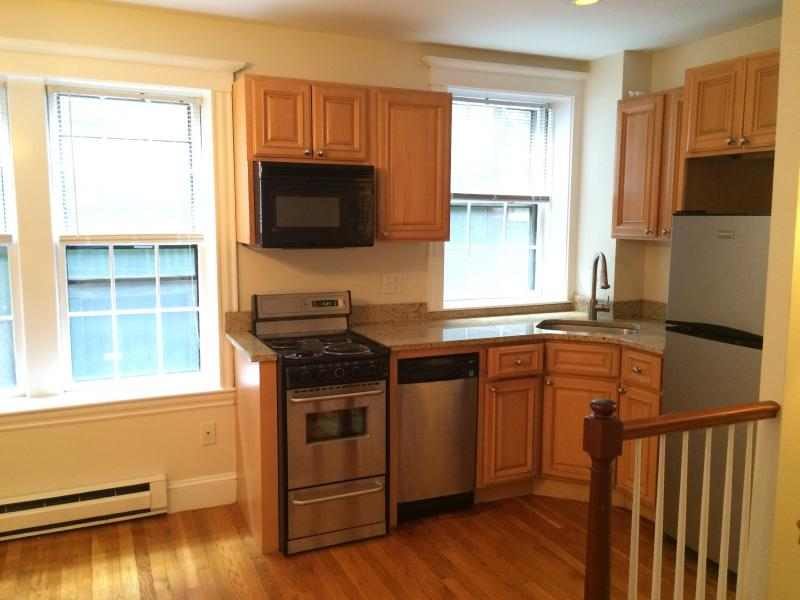 AVAILABLE NOW! Beacon Hill, Cedar Lane Way, Two Bedroom
