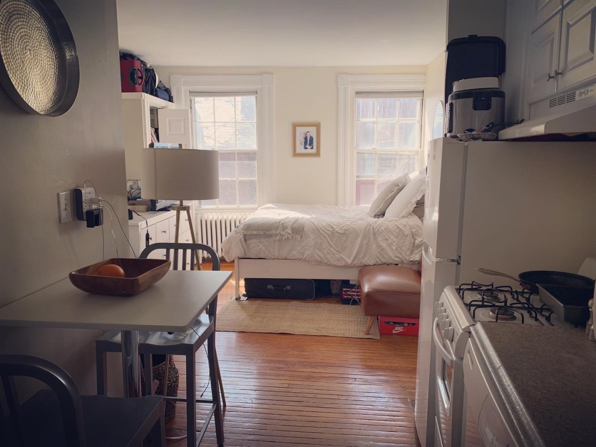 PRICE REDUCTION! Beacon Hill, W. Cedar Street, Studio